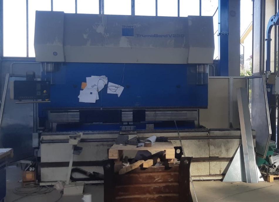 Pressa Piegatrice TRUMPF V230 – 3000×230 Ton